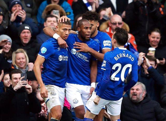 El Everton vence en casa al Crystal Palace y sigue en trayectoria ascendente