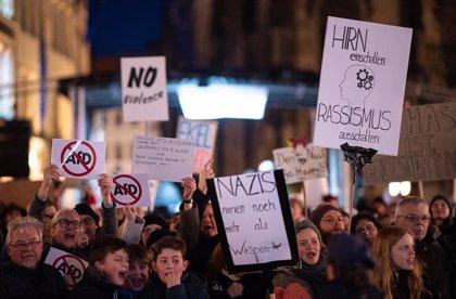 Liberales y ultraderecha caen en la última encuesta en Alemania