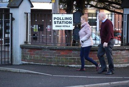 Alta participación en las elecciones de Irlanda a pesar del mal tiempo