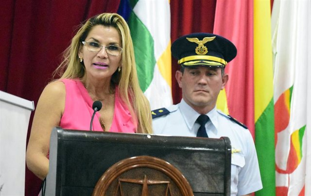 La autoproclamada presidenta de Bolivia, Jeanine Áñez