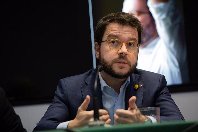 El vicepresident de la Generalitat, Pere Aragonès, durant la seva intervenció en la presentació del llibre 'Pere Aragonès, l'independentisme pragmàtic' de la periodista Magda Gregori, a Barcelona/Catalunya (Espanya), 4 de febrer del 2020.