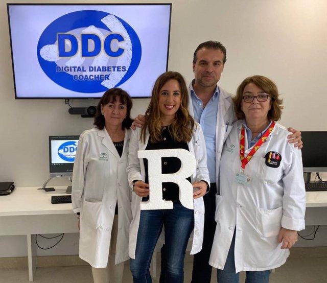 Parte del equipo premiado de la Unidad de Endocrinología del Hospital Macarena