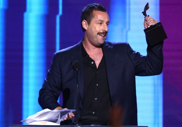 Adam Sandler en los Independent Spirit Awards