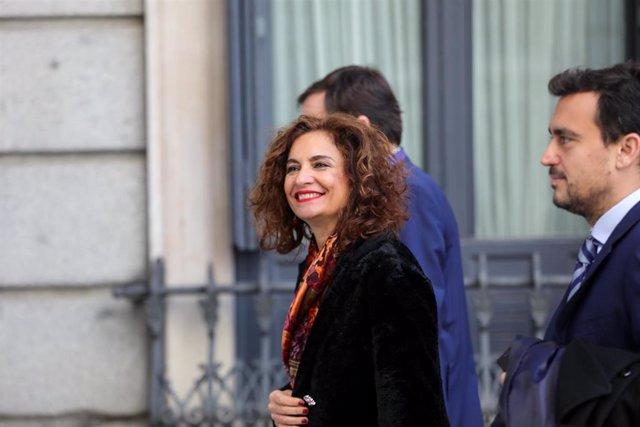 La ministra de Hacienda, María Jesús Montero, a su llegada al Congreso