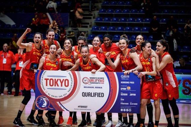 Las jugadoras de la selección española femenina de baloncesto celebran su clasificación para los Juegos Olímpicos de Tokio