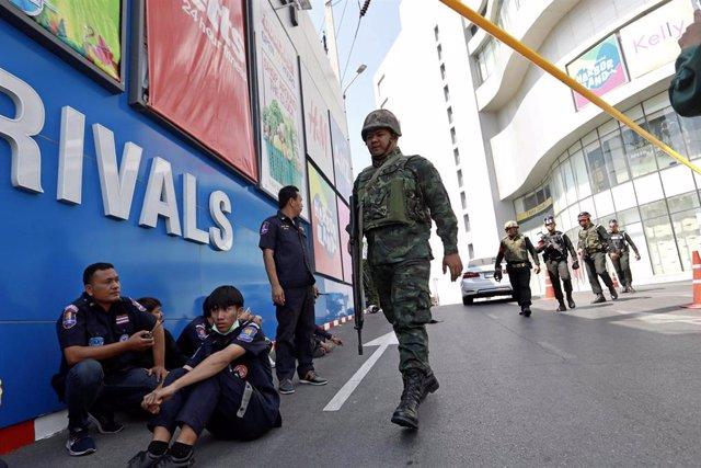 Matanza en el centro comercial Terminal 21 de Korat (Tailandia)