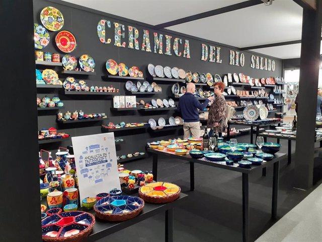 Stand de la empresa cordobesa Cerámica del Río Salado, presente en la feria de Madrid de la decoración y el regalo con el apoyo de Extenda.