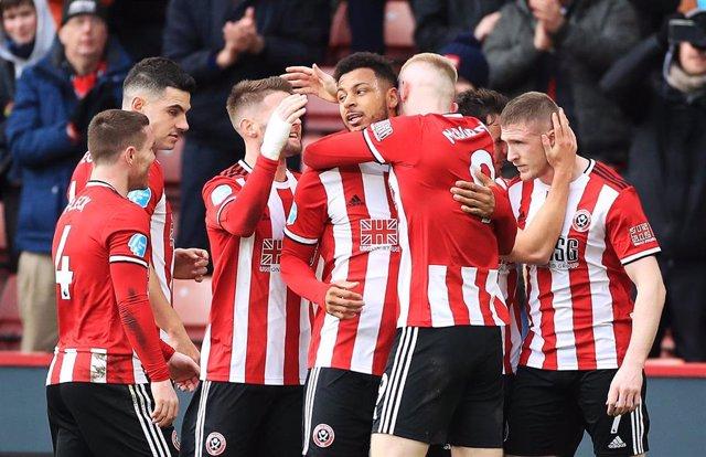 Los jugadores del Sheffield United celebran un gol.