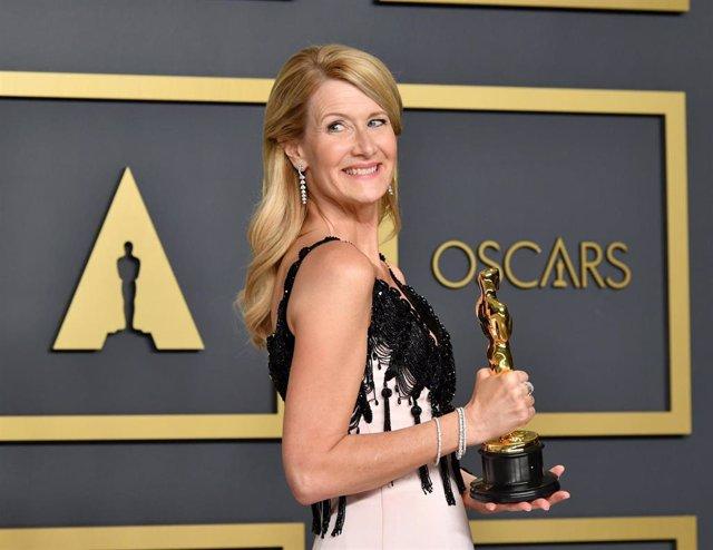 Laura Dern gana el premio a Mejor actriz de reparto