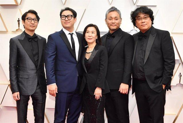 El equipo de Parásitos en los Oscar