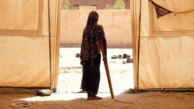 Una niña en un campamento de desplazados en Sévaré, en Malí