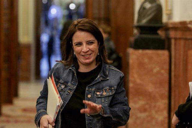 La portavoz del Grupo Socialista en el Congreso, Adriana Lastra, a su llegada a la primera sesión ordinaria del pleno en el Congreso de los Diputados en la XIV Legislatura