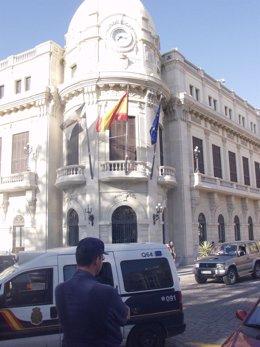 Vista exterior de día del Palacio de la Asamblea de Ceuta