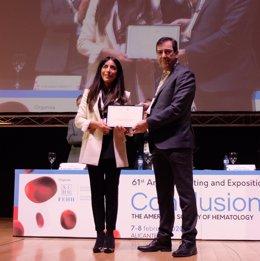 La SEHH entrega la 'Beca FEHH-Fundación CRIS' a la hematóloga Elham Askari