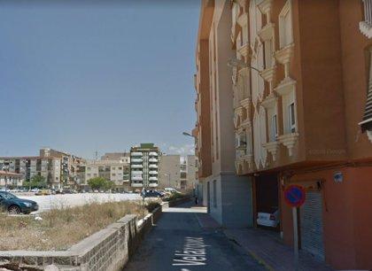 Herido un instalador de gas al producirse una explosión y un incendio en una vivienda de Monóvar (Alicante)