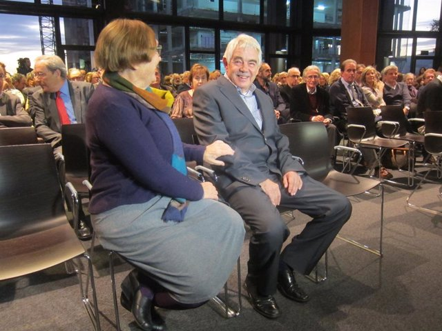 L'expresident Pasqual Maragall i la seva esposa, Diana Garrigosa.