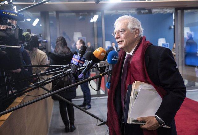 """Borrell denuncia la """"respuesta desproporcionada"""" de la Policía a las protestas e"""