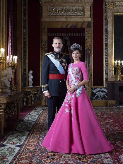 Los Reyes renuevan sus retratos oficiales con fotografías de Estela de Castro