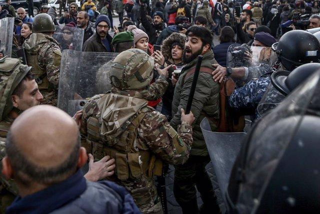 Líbano.- Cientos de manifestantes se concentran en Beirut para intentar impedir