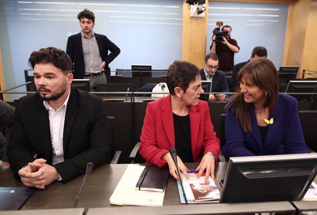 El portaveu d'ERC al Congrés dels Diputats, Gabriel Rufián; la portaveu d'EH Bildu al Congrés dels Diputats, Mertxe Aizpurua i la portaveu de JxCat al Congrés, Laura Borràs.
