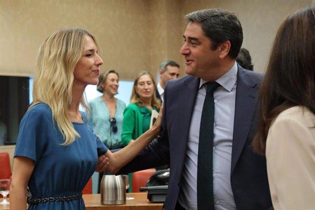 El diputado del PP por Madrid, José Ignacio Echániz y la portavoz del PP en el Congreso, Cayetana Álvarez de Toledo,