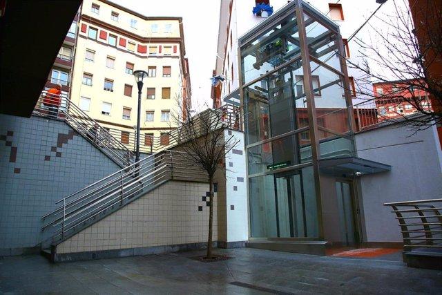 Nuevo ascensor que conecta Zabala con Miribilla, en Bilbao.