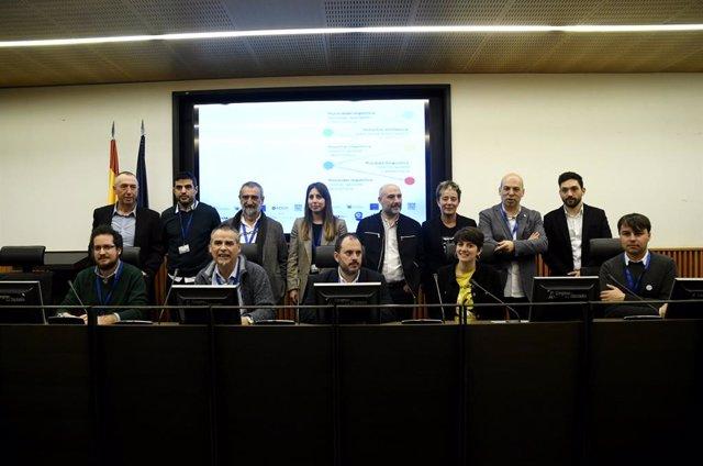Representantes de entidades sociales en defensa del aragonés, asturiano, catalán y euskera además de diputados de ERC; EHBildu; Compromís; y BNG entre otros