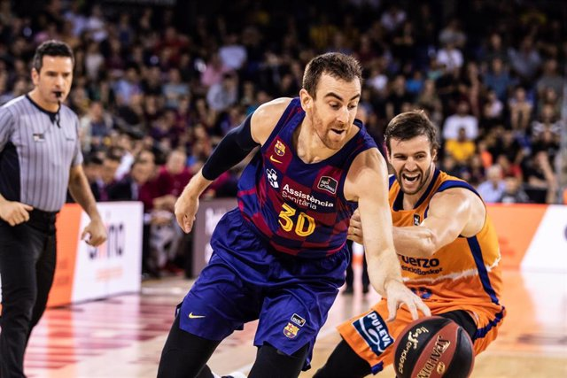 V'ctor Claver, #30 of Fc Barcelona  in action during the Liga Endesa match between  FC Barcelona  and Valencia Basket at Palau Blaugrana, in Barcelona, Spain, on October 13, 2019.
