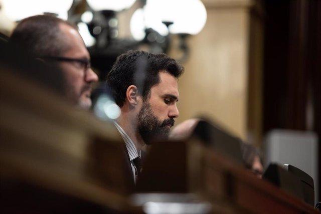 El Parlament lleva a Fiscalía a García-Escudero y Cosidó por no comparecer sobre