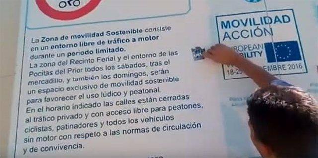 Pegatinas antifascistas colocadas en Puertollano