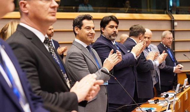El presidente de la Junta de Andalucía, Juanma Moreno, participa en Bruselas en el Comité de las Regiones