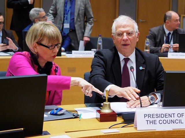 """Borrell manda """"estudiar más"""" a PP, Cs y Vox por pedir a la UE investigar la reun"""