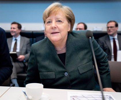 Alemania.- La ultraderecha anuncia denuncias contra Merkel por sus comentarios sobre la crisis de Turingia