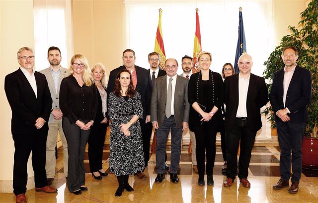 Reunión de trabajo para avanzar en la instalación de tres centros de datos de Amazon Web Services en Aragón.
