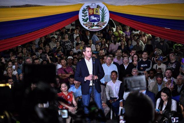 El autoproclamado presidente de Venezuela, Juan Guaidó a su llegada al país