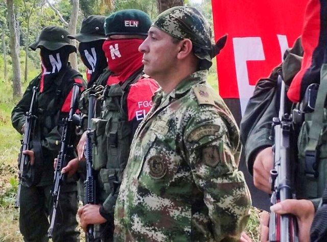 Las labores de trabajo del oleoducto colombiano Caño Limón-Coveñas fue interrumpido por un ataque del Ejército de Liberación Nacional (ELN).