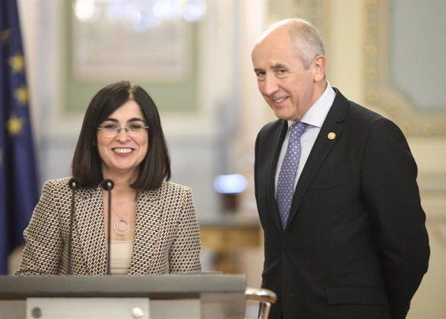 La ministra de Política Territorial y Función Pública, Carolina Darias y el consejero de Gobernanza Pública y Autogobierno y portavoz del Gobierno vasco, Josu Erkoreka tras una reunión en Madrid.