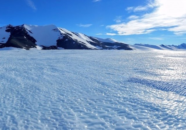Área de hielo azul en Patriot Hills, Antártida Occidental