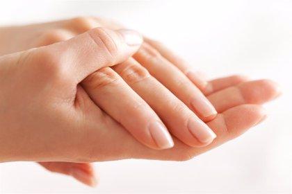 El VPH se puede contagiar por las uñas y yemas de los dedos
