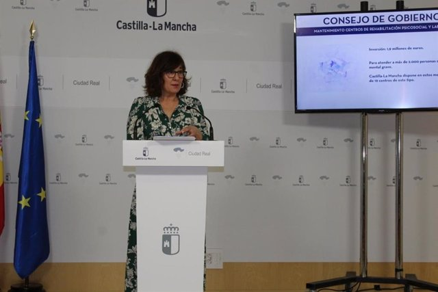 La consejera de Igualdad y portavoz del Gobierno de C-LM, Blanca Fernández, en rueda de prensa