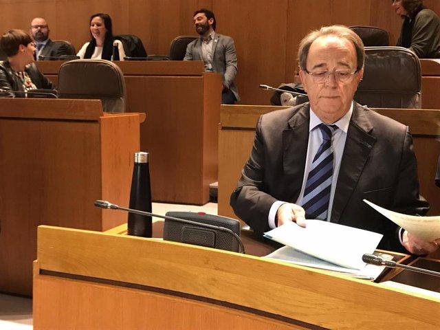 El consejero de Hacienda del Gobierno de Aragón, Carlos Pérez Anadón