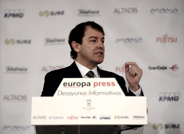El presidente de Castilla y León, Alfonso Fernández Mañueco, interviene en un Desayuno Informativo de Europa Press, en Madrid (España), a 12 de febrero de 2020.