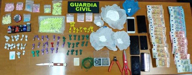 Detenidas dos personas por tráfico de sustancias estupefacientes a pequeña escala