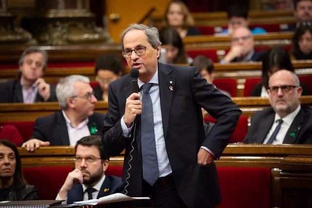 El presidente de la Generalitat, Quim Torra, interviene en el Pleno del Parlament este miércoles.