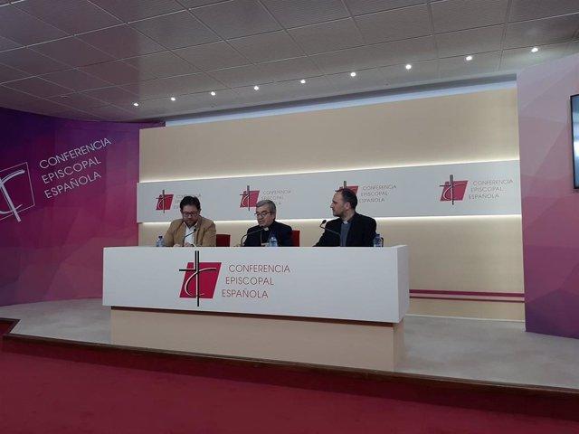 El secretario general de los obispos españoles, Luis Argüello, presenta el Congreso de Laicos