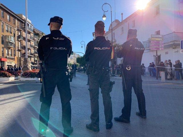 Agentes de la Policía Nacional en Vélez-Málaga