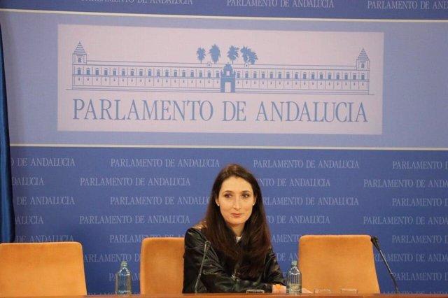 La portavoz adjunta del grupo parlamentario de Cs, Mónica Moreno, en rueda de prensa.