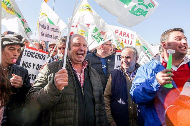 """La Comunidad reclama """"firmeza"""" al Gobierno central para garantizar la superviven"""