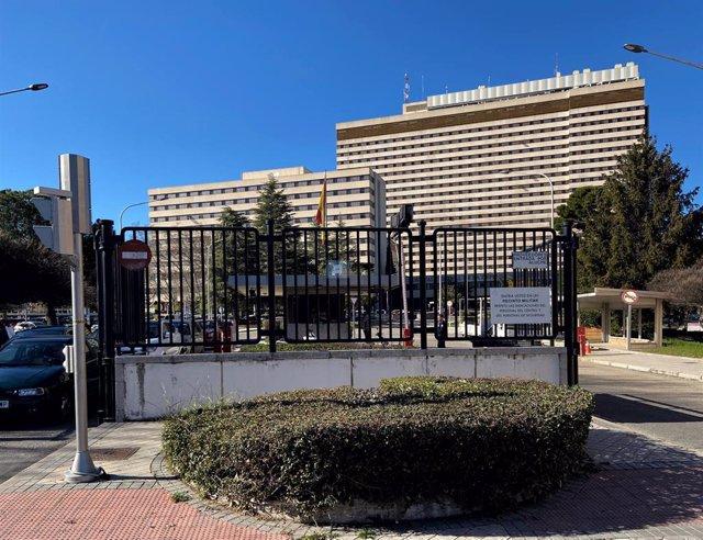 Entrada al Hospital Gómez Ulla, centro donde han dado el alta a un ciudadano chino que acudió hace unas horas señalando que creía padecer síntomas del coronavirus, en Madrid (España) a 5 de febrero de 2020.