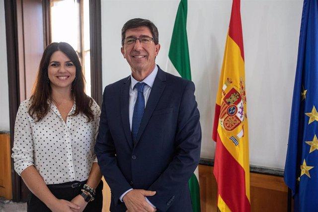 El consejero de Turismo, Regeneración, Justicia y Administración Local, Juan Marín, y la delegada del ramo en Córdoba, Purificación Joyera